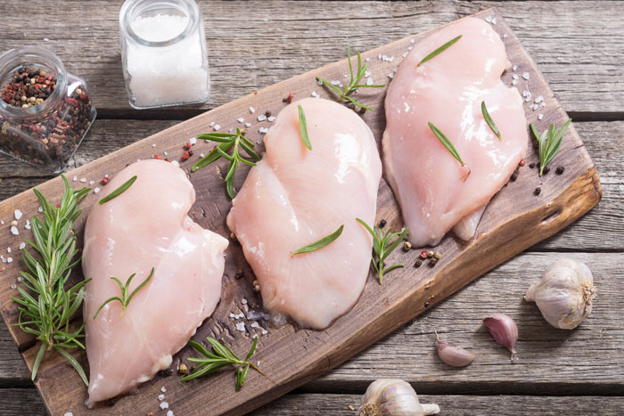 pechuga de pollo con albahaca